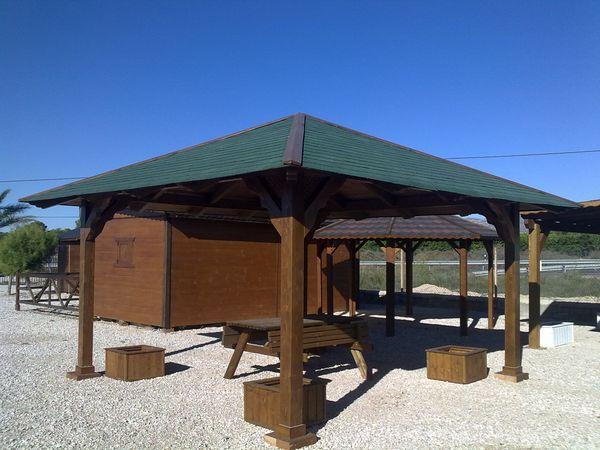 Pergolas cuatro aguas prefabricadas de madera for Casas techos cuatro aguas