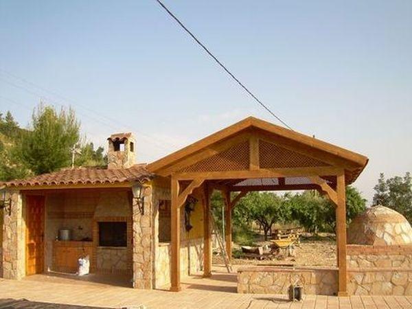 Pergola de madera modelo 03 for Como hacer un techo a cuatro aguas