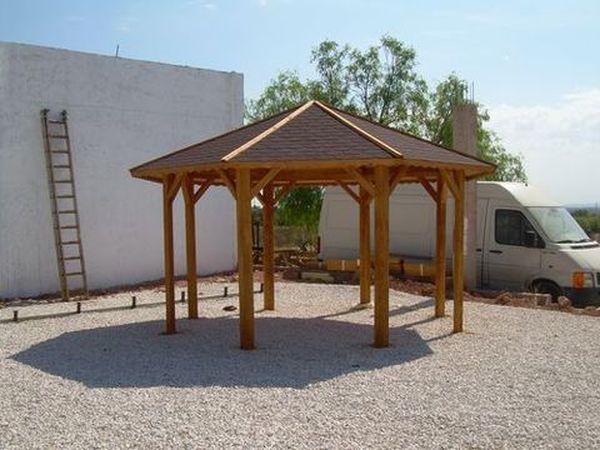 Pergolas octogonales prefabricadas de madera for Pergola jardin madera