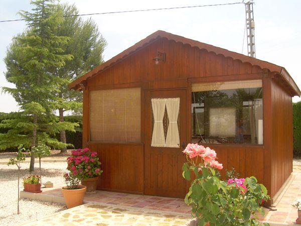 Trasteros prefabricadas de madera for Trasteros para terrazas